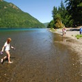 Lake Crescent Lodge Beach.- 5 Reasons to make the trip to Lake Crescent