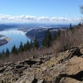 A false summit on Angel's Rest.- Hiking in the Columbia River Gorge
