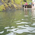 A view of the springs from the deep hot end.- Seljavallalaug Zwembad
