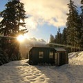 Sunrise over Barlow Butte Hut (4,030 ft).- Snowshoeing on Mount Hood