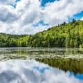 Lake Solitude.- 6 Must-Do Autumn Adventures in New Hampshire
