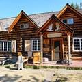 Skoki Lodge.- The Best of Banff, Canada