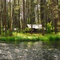 Metolius River and Cabins near Camp Sherman.- Camping on the Metolius River