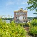 - Saugerties Lighthouse