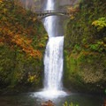 Multnomah Falls.- Waterfall Hikes in the Columbia River Gorge