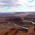 Overlook at Dead Horse Point State Park.- Ecotherapy: Exploring People's Connections with Nature