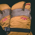 The OR Highcamp 3-Finger Gloves.- Gear Review: Outdoor Research Highcamp 3-Finger Gloves